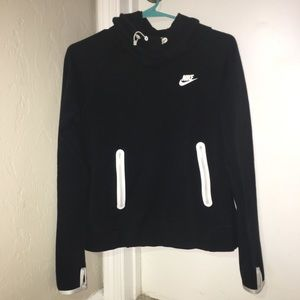 BRAND NEW women's nike sweatshirt